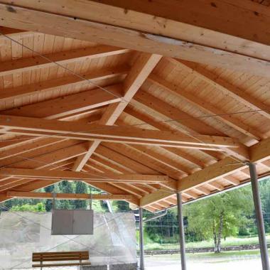 Pali e tiranteria per struttura in legno