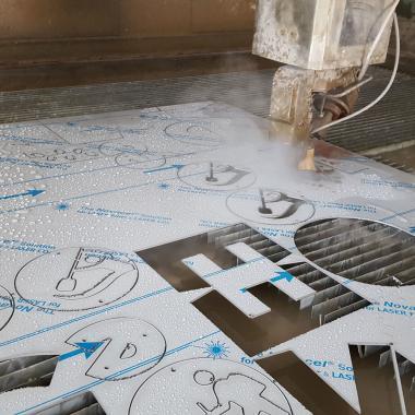 taglio acciaio inox pellicolato