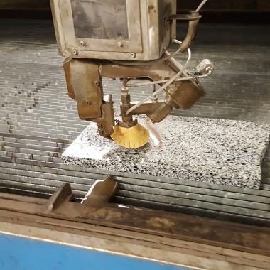 taglio granito spessore 30 mm