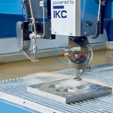 taglio inclinato su ruota dentata flangiata in acciaio da bonifica spessore 40 mm