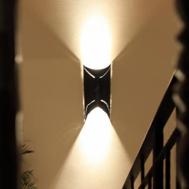 Luce a led da parete in acciaio naturale cerato