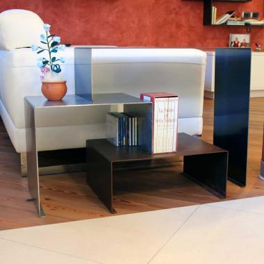Tavolino in acciaio Cor-Ten, inox e naturale
