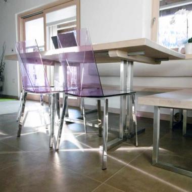 Tavolo allungabile con struttura in acciaio inox satinato
