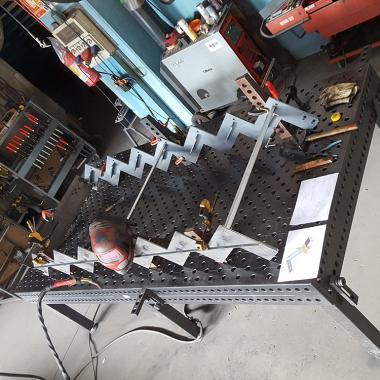 scala acciaio naturale con cosciale sagomato
